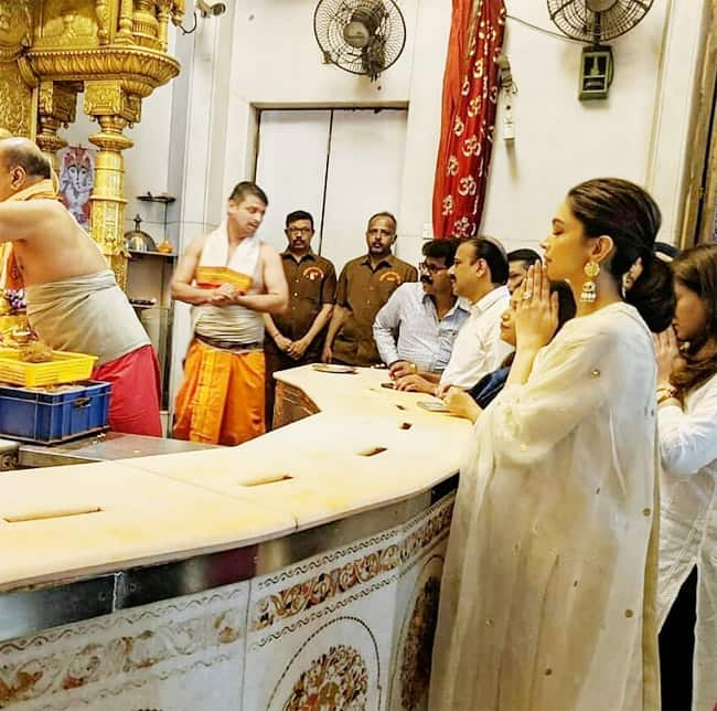Deepika Padukone at The Siddhivinayak Temple