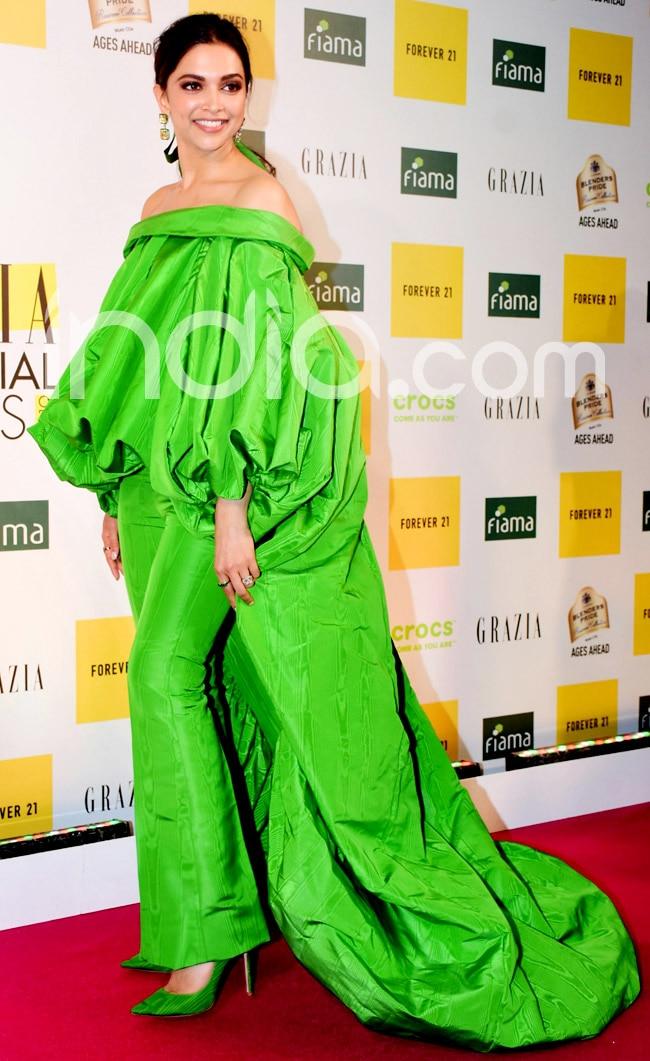 Deepika Padukone Wears Parrot Green Dress For Award Function