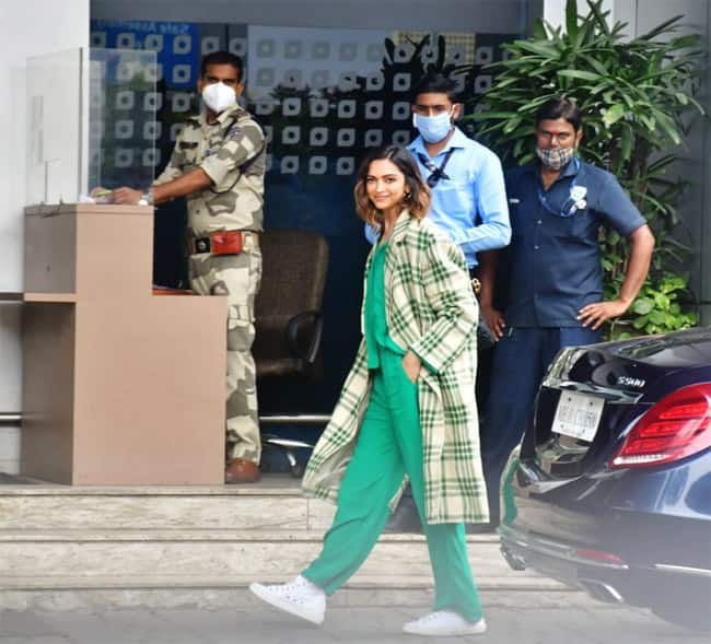 Deepika Padukone s airport is how it should be   easy  comfy  and sleepy