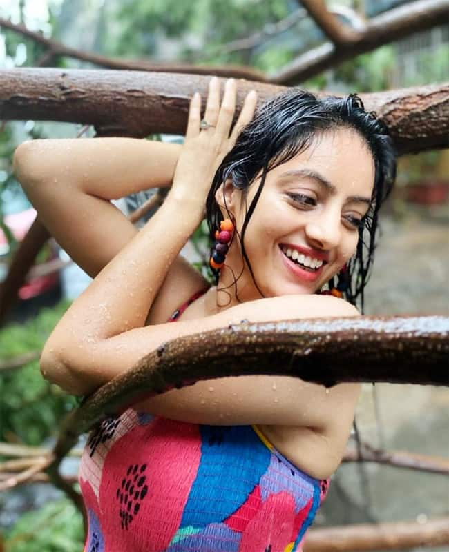 Deepika Singh trolled for posing with fallen trees amid Cyclone Tauktae