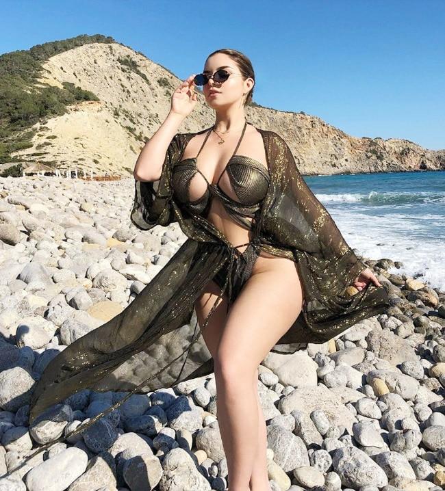 Demi Rose's stunning in hot Bikini Photos