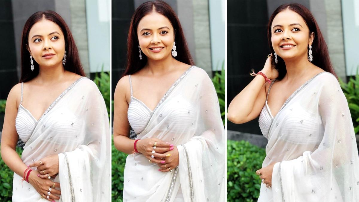 Devoleena Bhattacharjee dazzles in a white chiffon sequinned saree