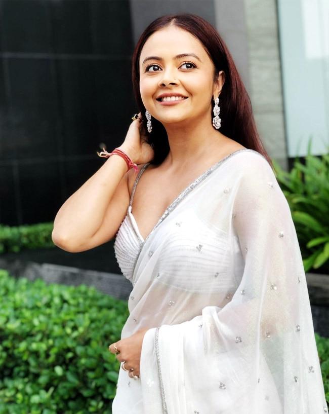 Devoleena Bhattacharjee is looking simple  hot  elegant  graceful in this white saree