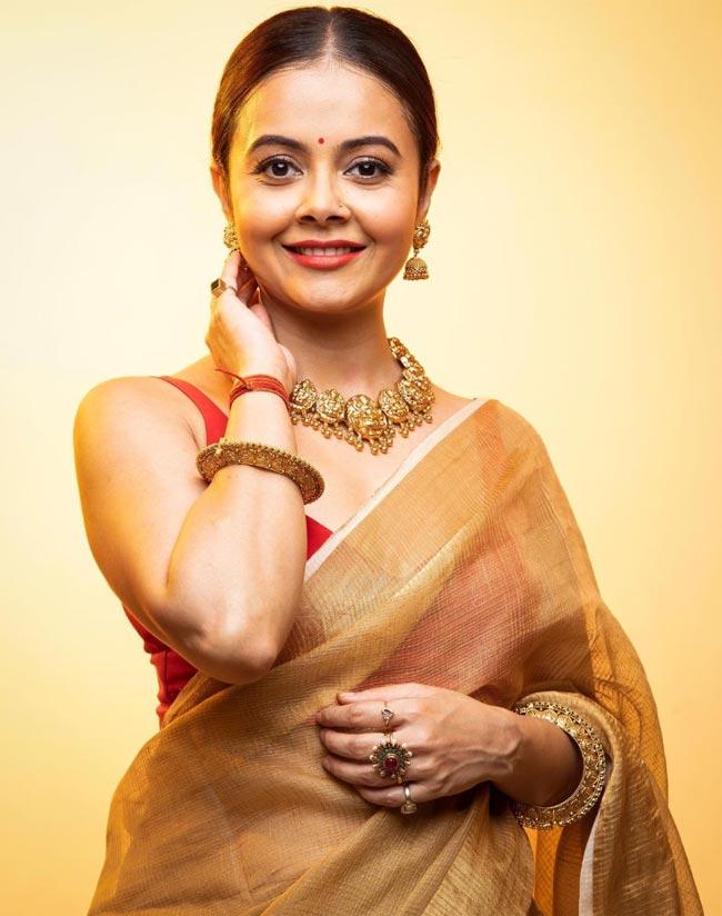 Devoleena Bhattacharjee Wears Her Own Saree For New Photoshoot, Looks Mesmerising - See Pics