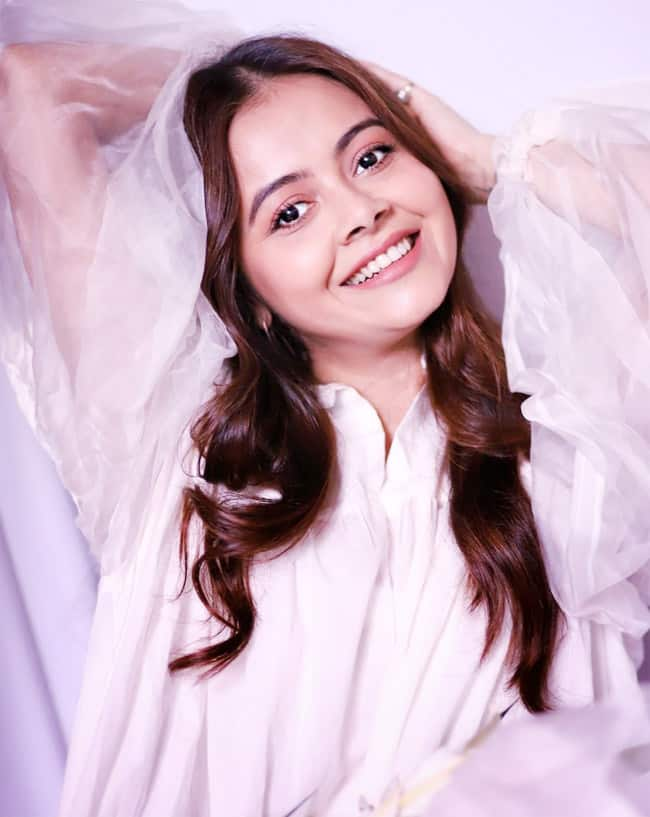 Devoleena Bhattacharjee looks like a fairy in these pictures