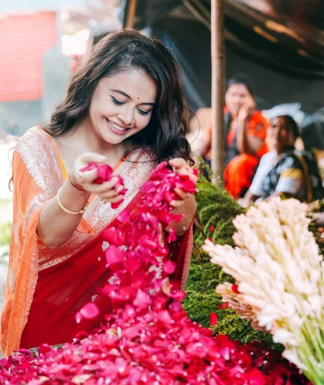 Devoleena Bhattacharjee   s Latest Photoshoot Is Straight Out Of a Bollywood Film