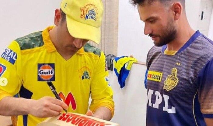 Dhoni Signing  KKR   s Sheldon Jackson   IPL 2021 Top Moments