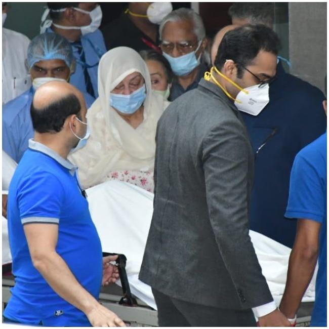 Dilip Kumar dies  Saira Banu mourns the passing away of her husband