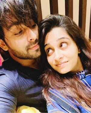 Lockdown Lover Dipika Kakar & Shoaib Ibrahim Give Major Goals in These Viral Photos