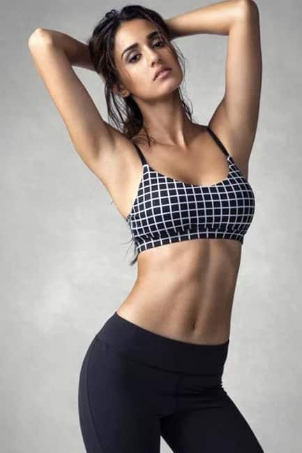 Disha Patani flaunts her toned abs in this picture