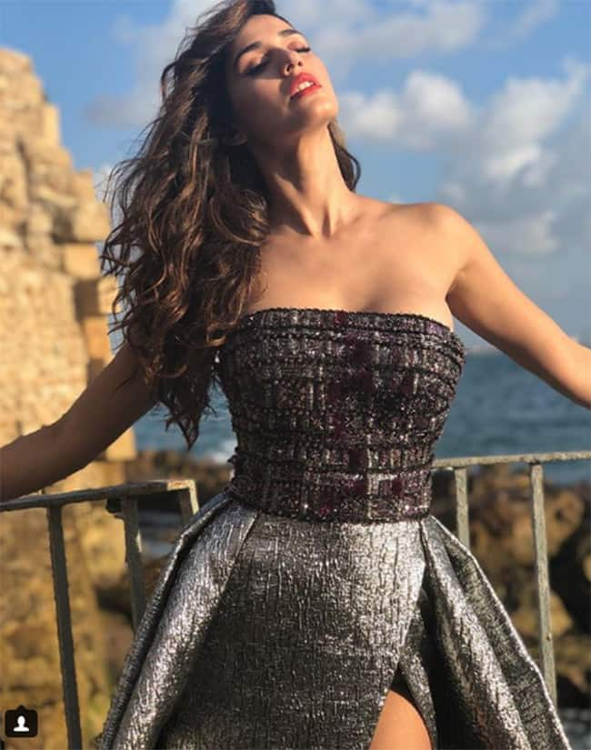 Disha Patani looks smoking hot in a sexy grey gown