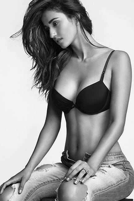 Disha Patani looks smoking hot in this picture