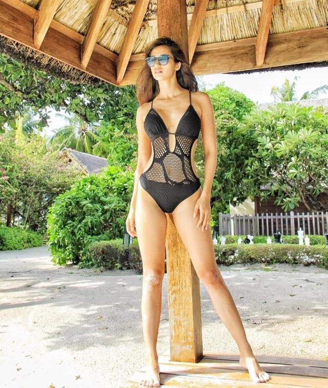 Disha Patani poses in Black Monobikini in Maldives pic