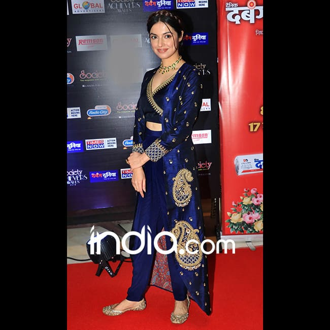 Divya Khosla Kumar at red carpet of Society Achievers Awards 2018