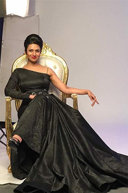 Divyanka Tripathi Dahiya for Star Parivaar Awards 2017