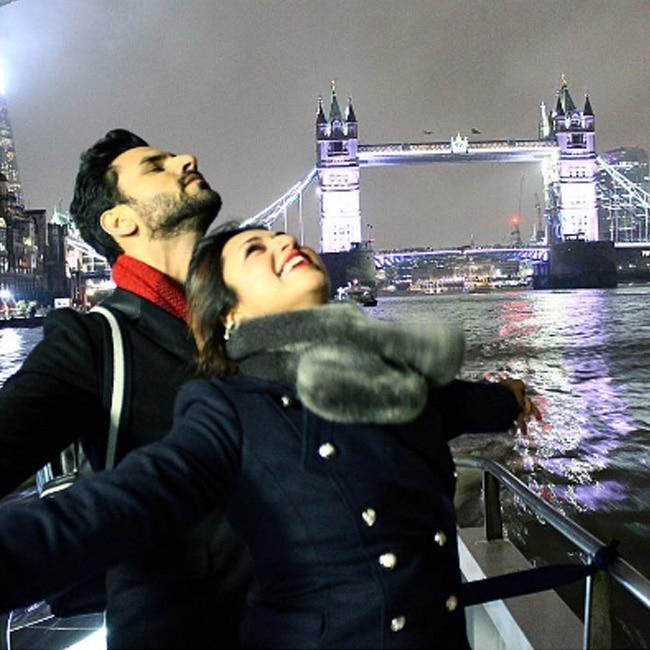 Divyanka Tripathi with Vivek Dahiya in Titanic pose during honeymoon