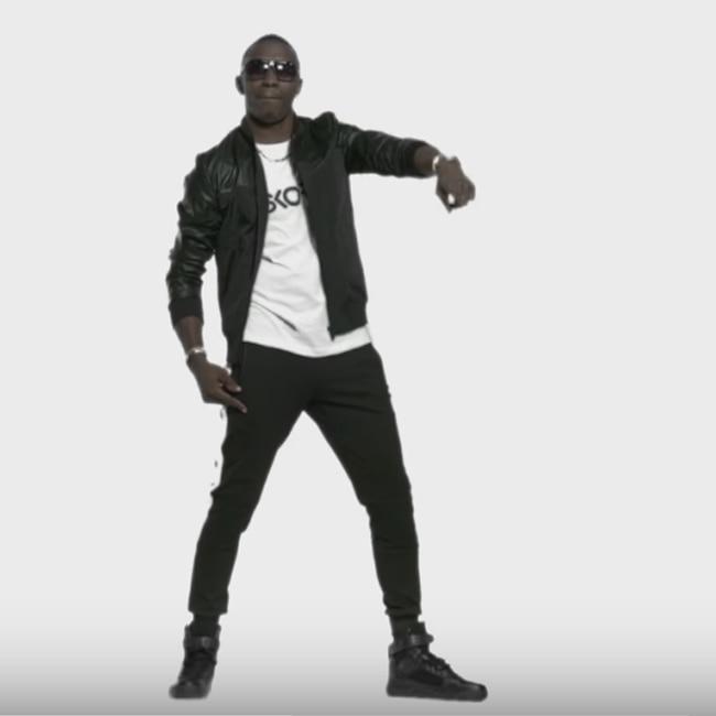 Dwayne Bravo dancing on tunes of champion song