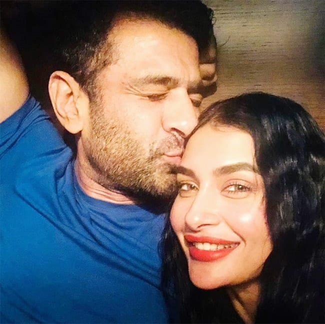 Eijaz shared a series of pictures with his lady love Pavitra