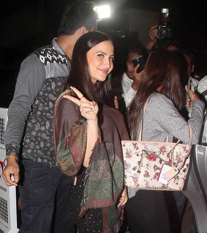 Elli Avram spotted at Mumbai airport