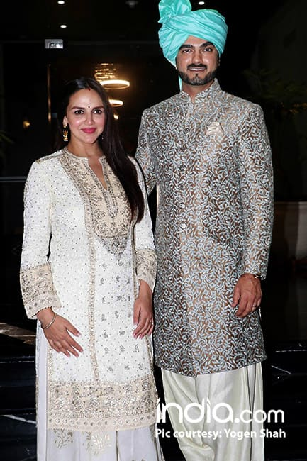 Esha Deol with husband Bharat Takhtani at Smriti Khanna with Gautam Gupta reception