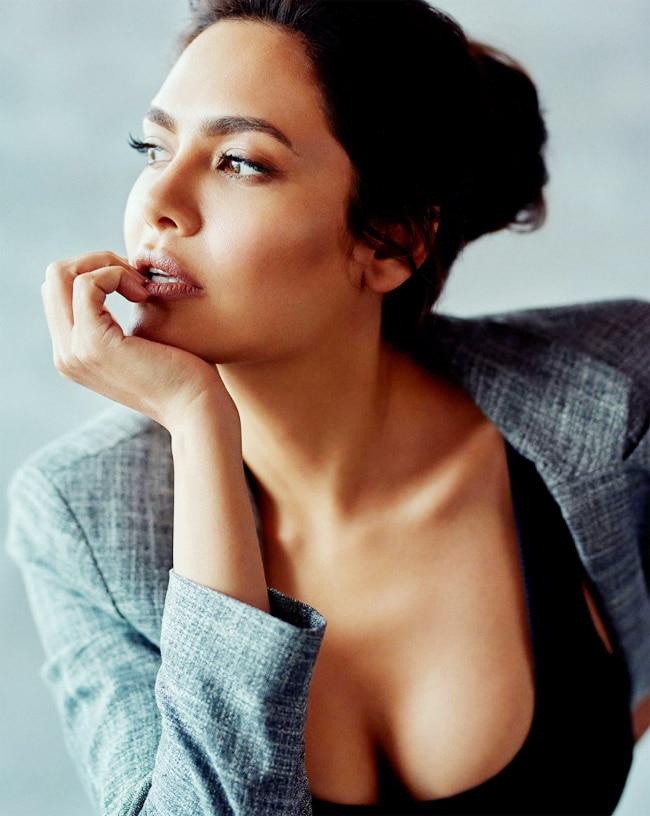 Esha Gupta s sultry pic