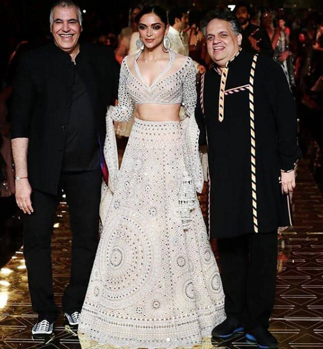Famous designers Abu Jani and Sandeep Khosla completed 33 years in the industry