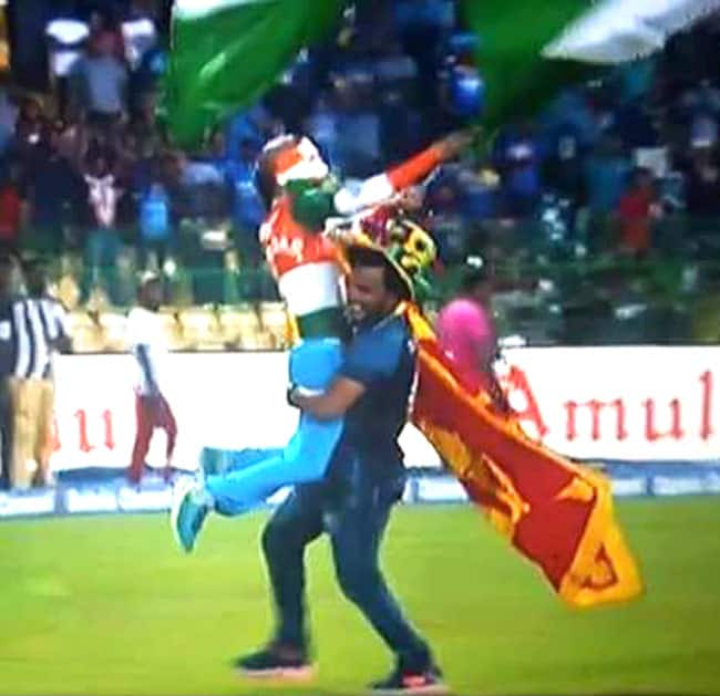 Fans celebrating success of team India in Colombo