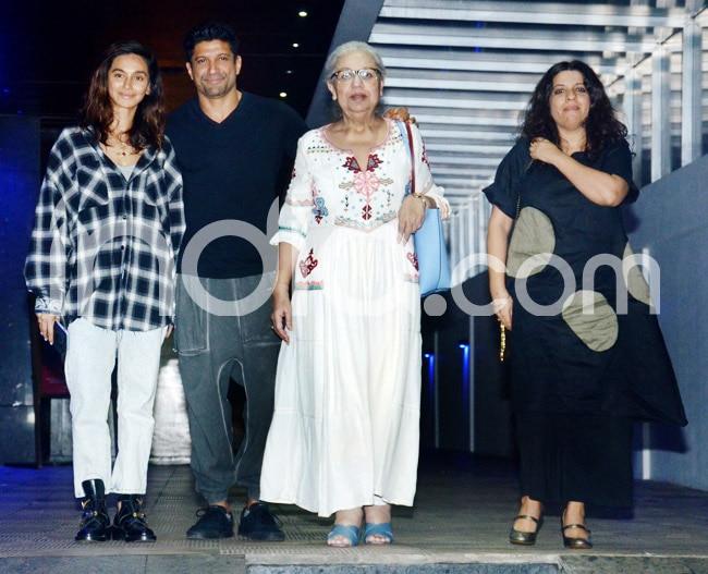 Farhan Akhtar Shibani Dandekar clicked with family