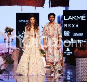 Farhan Akhtar, Shibani Dandekar Spell Magic as They Walk The Ramp at Lakme Fashion Week 2019