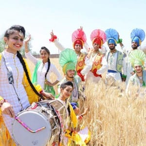 Baisakhi 2017: A look at how Indians celebrated the festival with Langar, martial art and competitions!