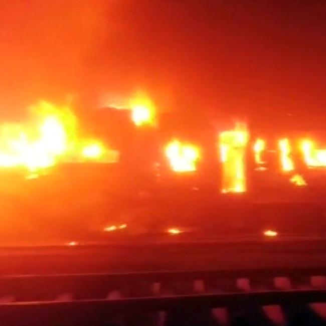Fire in Patna  Mokama passenger Express