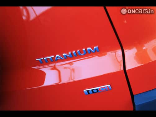 Ford EcoSport 1 5D Titanium O  MT Exterior img1