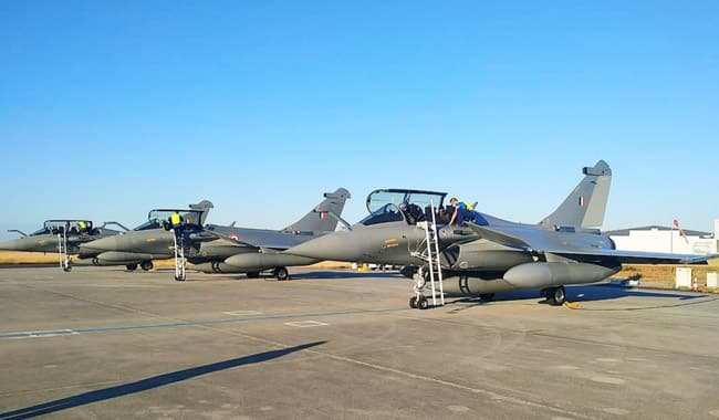 From France  to India  five Rafale jets will cover a distance of nearly 7 000 km