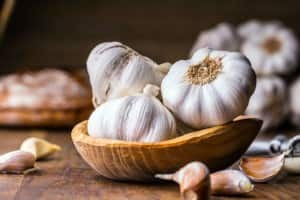 Health Benefits of Garlic: Know How This kitchen Ingredient Gives a Boost to Your Health