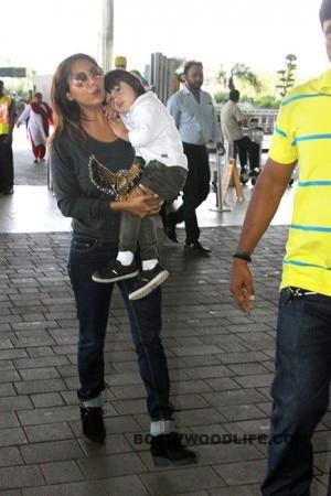 Gauri Khan, Jacqueline Fernandez, Gauhar Khan and other Bollywood celebs spotted at Mumbai Airport