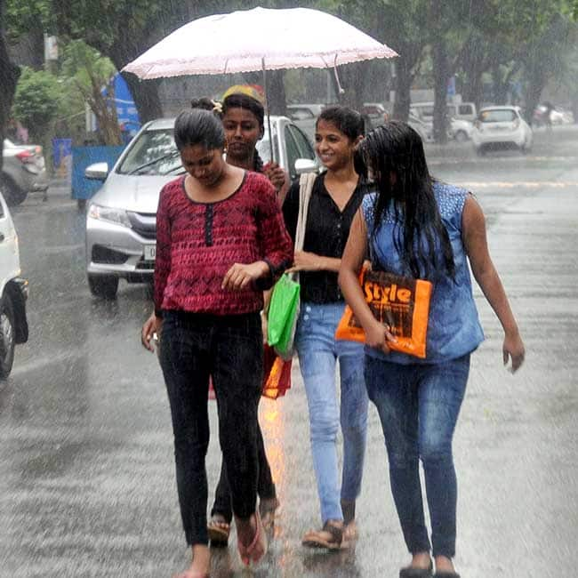 Rain Lashes In Parts Of India People Get Relief From Heat