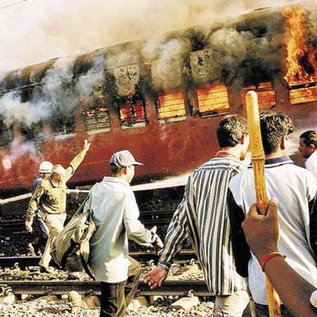 Gujarat HC commutes death sentence of 11 convicts to life term imprisonment in 2002 Godhra train burning case