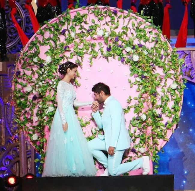 Here   s a compilation of romantic dance moments of Abhi and Pragya which you can   t miss