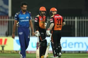 SRH vs MI 2020, IPL Match 56 in Pictures: David Warner, Sandeep Sharma Star as Sunrisers Hyderabad Crush Mumbai Indians to Qualify For Playoffs