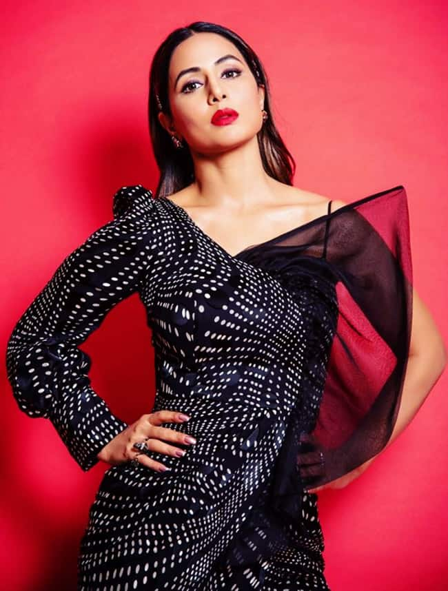 Hina Khan Attend   s Ekta Kapoor   s Success Bash in Stunning Black Dress And Bold Makeup