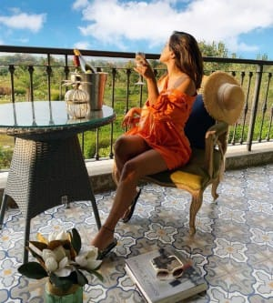 Hina Khan's Pictures from Her Mini Trip to Vineyard Are Full of Picnics and Stunning Outfits