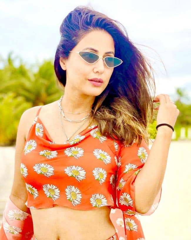 Hina Khan is Gorgeous Beyond Words in Orange Co ord Set