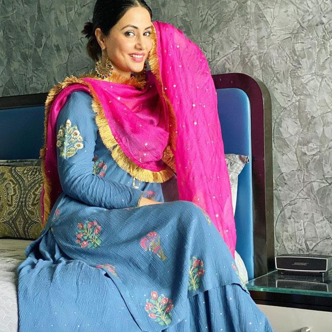 Hina Khan Looks Breathtaking