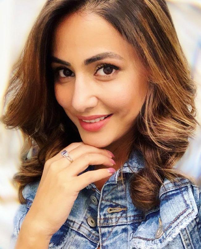 Hina Khan Looks Drop dead Gorgeous in Denim Jacket