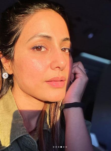 Hina Khan looks pretty in this no makeup sun kissed photo