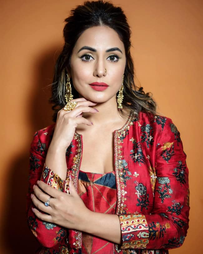 Hina Khan Once Again Sets Fashion Goals Once Again