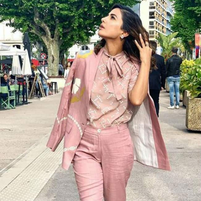 Hina Khan Paints The French Riviera Pink