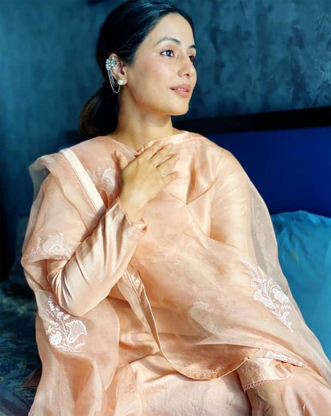 Hina Khan recently picked one of the trendiest kurta styles
