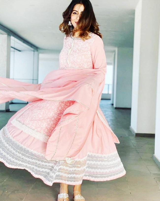 Hina Khan wears a peach suit on Eid