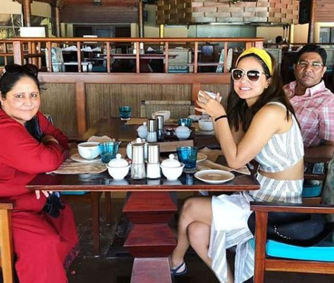 Hina Khan s Adorable Maldives Pictures With Family Will Make You Feel Jealous